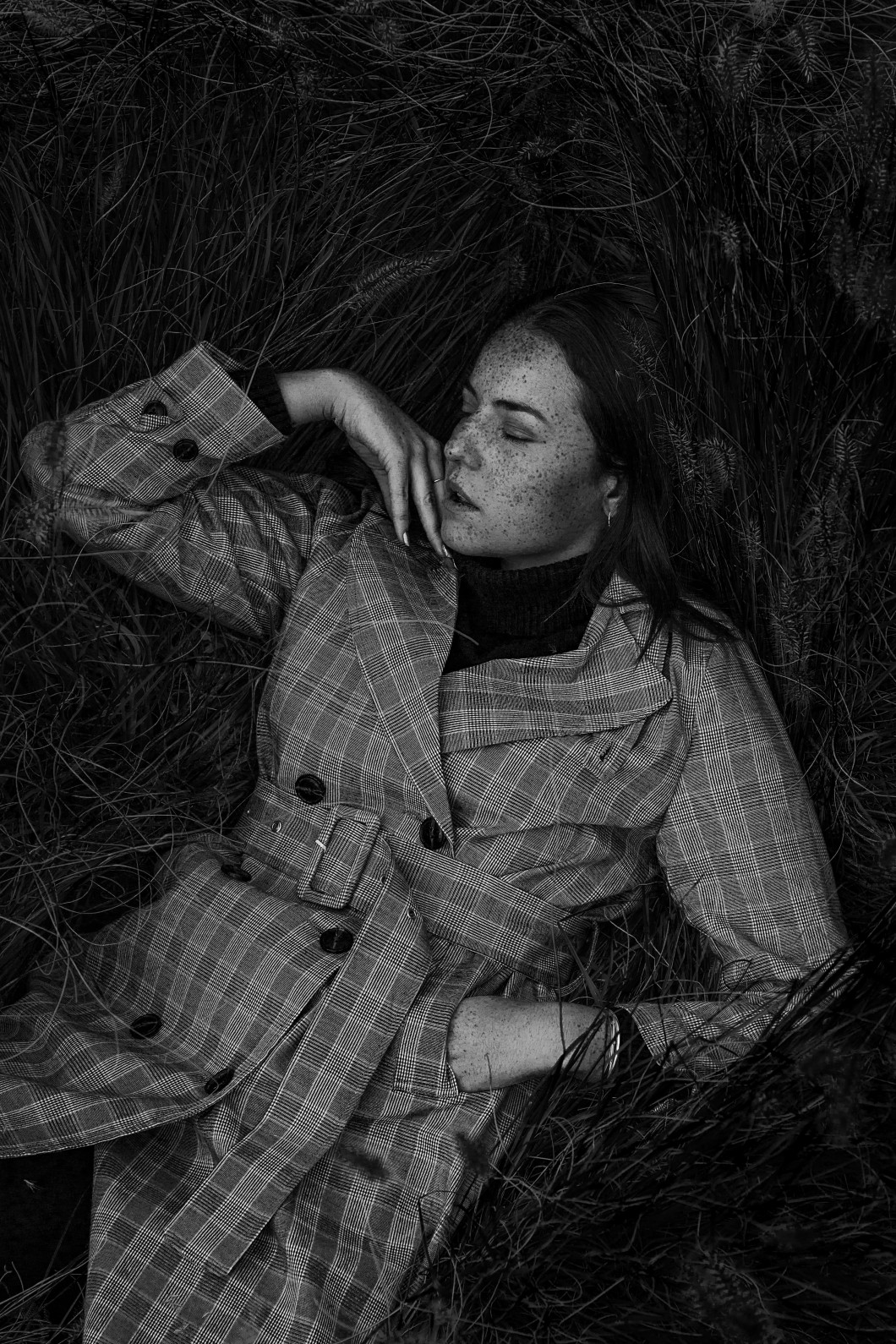 Black and white fashion shooting